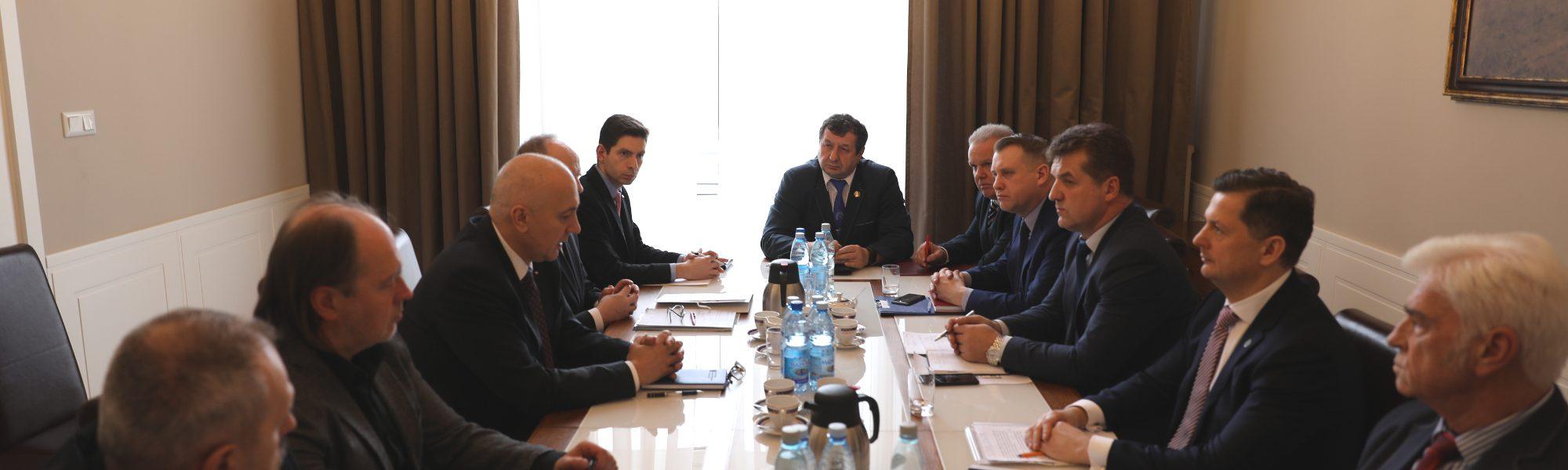 Spotkanie Federacji Związków Zawodowych Służb Mundurowych spotkali się z Ministrem Spraw Wewnętrznych i Administracji Joachimem Brudzińskim