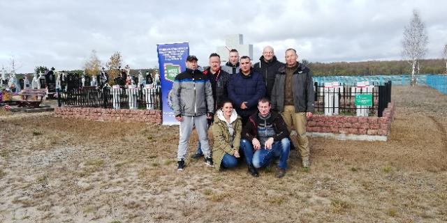 PRACE PORZĄDKOWE CZŁONKÓW ZARZĄDU TERENOWEGO NSZZ FSG WE WŁODAWIE W MIELNIKACH NA UKRAINIE